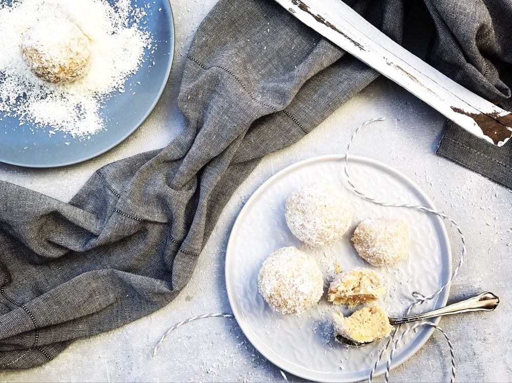 Schneebälle mit Topfen und Ananas