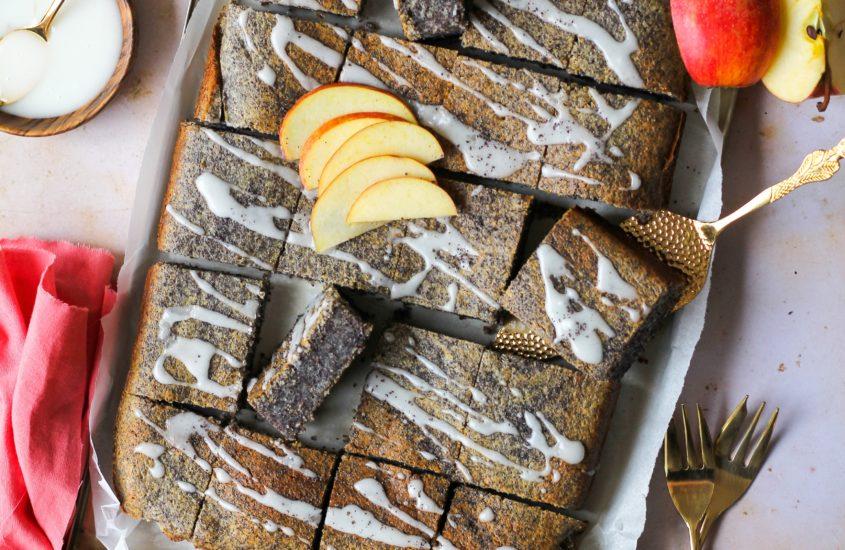 Mohnkuchen mit Apfelmus oder auch Mohnies